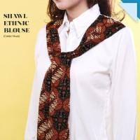 Jual CRG162300 - Shawl Ethnic Blouse / Kemeja Putih Contras Batik Murah
