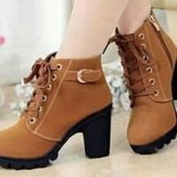 Jual IST Boots Heels Tan Gesper BT02 235 Murah