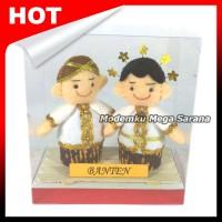 Boneka Pakaian Adat Banten