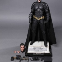 Hot Toys: The Dark Knight Rises Batman DX12