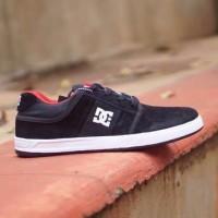 Sepatu Dc  Skate Sepatu Sneakers Pria