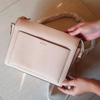 🌹DKNY chain bag 🌹 Ukuran medium Model cross body original 100%