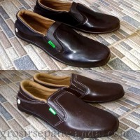 Sepatu Pantofel Pria Kickers slip on