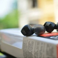 JBL C100SI In-Ear Headphones with Mic - Compatible with Android & iOS.