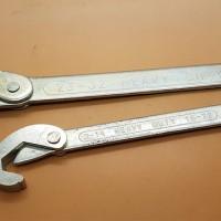 2 pcs Multi function Adjustable Snap'N Wrench Universal  kunci pas