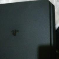Playstation 4 + 10 Games + 2 Joystick 500GB Pesenan Om Gadun