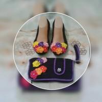 Sepatu & Dompet Rajut Handmade
