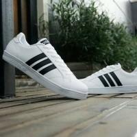 sepatu sneakers casual adidas baseline putih hitam cewek woman wanita