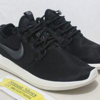 Sepatu Nike Roshe Two Black White Women