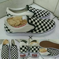 harga Sepatu Kets Sneakers Vans Slip On Checkerboard Canvas Black White Tokopedia.com