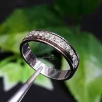 Model Simple Yang Terbaru Cincin Emas Putih Full Berlian Eropa