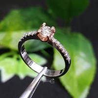 Simple Cincin Emas Putih Full Berlian Eropa Kombinasi Berlian Banjar
