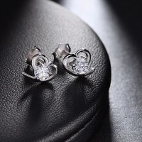 Anting Stud Silver Lapis Emas Putih Batu Hati Love Berlian - BE074P