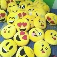 Termurah SOLO bantal emoji emoticon bantal sofa mobil boneka souvernir