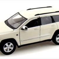 Diecast Maisto 1:24 - Jeep Grand Cherokee Laredo SUV