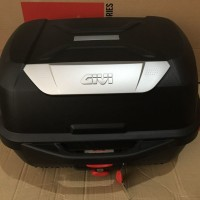 Top Box Motor Givi E43 NTL Muat 2 Helm Half Face Original Hitam