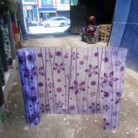 fiber pagar bunga warna ungu
