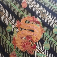 batik halus iwan tirta motif naga