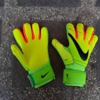 sarung tangan kiper Nike sgt Special Palm grade ori /goalkeeper gloves