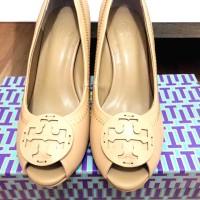 sepatu wanita tory burch wedges size 35