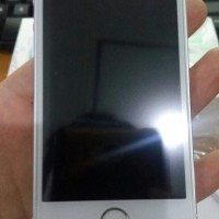 HOT SALE Apple Iphone 5S 16GB Second Silver Garansi 7 Hari