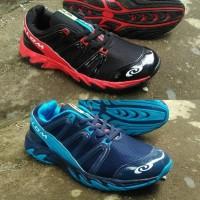 sepatu olahraga outdoor salom pria