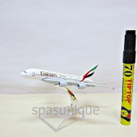 Pajangan Miniatur Diecast Pesawat Emirates