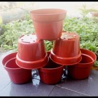 Pot Bunga 15cm Merah Toko Pot Tanaman Hias Grosir Pot Plastik 15 cm