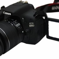 KAMERA CANON EOS 600D KIT 18-55 IS II
