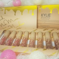 OKTA SEND -Kylie Set 8in1 Me More Nudes Vacation Lipcream/Lipgloss Kit