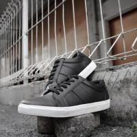 Sepatu Sneaker Kasual Pria SN-02 Black White Sole| NAH Project
