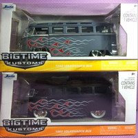 62' VW Bus w/ Flames Jada Bigtime Kustoms skala 1/24