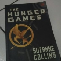 Jual THE HUNGER GAMES: Oleh Suzanne Collins Murah