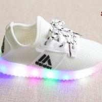 Jual DAPATKAN TERLARIS Sepatu LED Model Tali Sepatu keren dengan lampu LED Murah