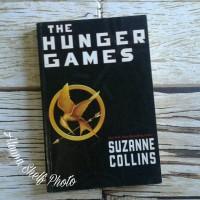 Jual Buku Impor Bekas: Novel The Hunger Games by Suzanne Collins Murah