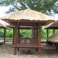Gazebo dan Rumah Kayu Bali