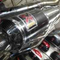 AKSESORIS MOTOR BARU knalpot akrapovic cb150r cb150r new all new cbr1