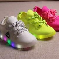 Jual Sepatu LED Model Tali (Sepatu keren dengan lampu LED) Murah