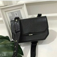 CHARLES AND KEITH SLING BAG ORIGINAL / TAS SELEMPANG WANITA / CLUTCH
