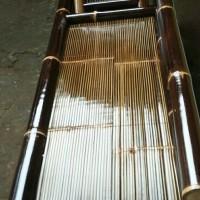 kursi bambu hitam santai minimalis