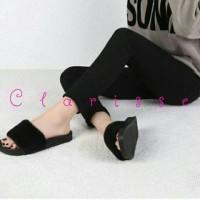 Jual grosir sepatu wanita murah online SANDAL BULU PREMIUM HITAM SANDAL FL Murah