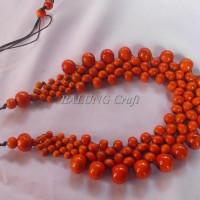Harga kalung etnik kayu kopi model buan warna orange | Pembandingharga.com