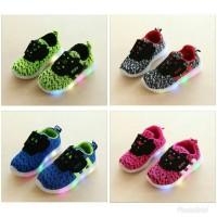 Jual sepatu anak LED yeezy Kids Size 26-30 Murah