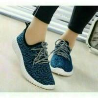 Harga sepatu olahraga biru wanita sekolah sport nike puma adidas boots   WIKIPRICE INDONESIA