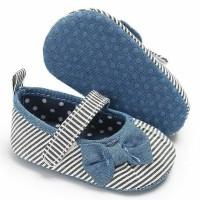 Jual sepatu Pre Walker baby 0-18 bulan motif garis. Murah