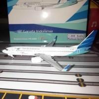 JE Pajangan Miniatur Replika Pesawat Garuda Indonesia Boeing 737-800 P