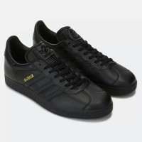 harga Original Sepatu Adidas Originals Gazelle Shoes Core Black Gold Metalic Tokopedia.com