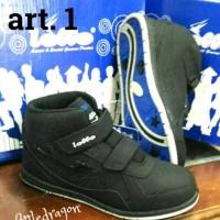 Sepatu sekolah logo 30-35
