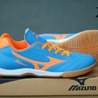 Sepatu Kets Olahraga Pria Cowok Murah Mizuno Futsal Biru Orange