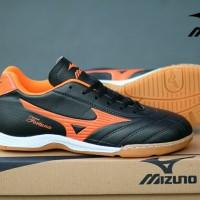 Sepatu Kets Olahraga Pria Cowok Murah Mizuno Futsal Hitam Orange
